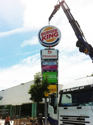 insegna totem fast food burger king fano