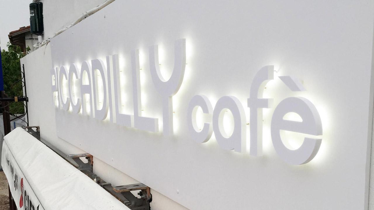 insegna luminosa per cafè
