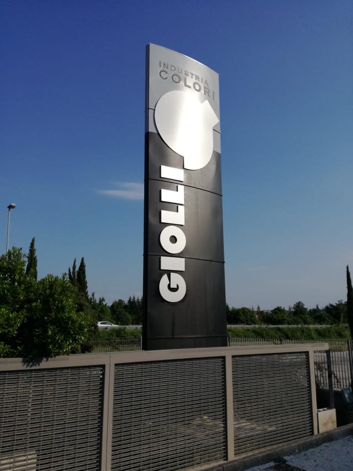 Publi in totem per colorificio giolli